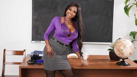 Учительница трахается со студентом